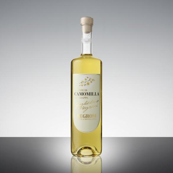 Liquore di camomilla con grappa